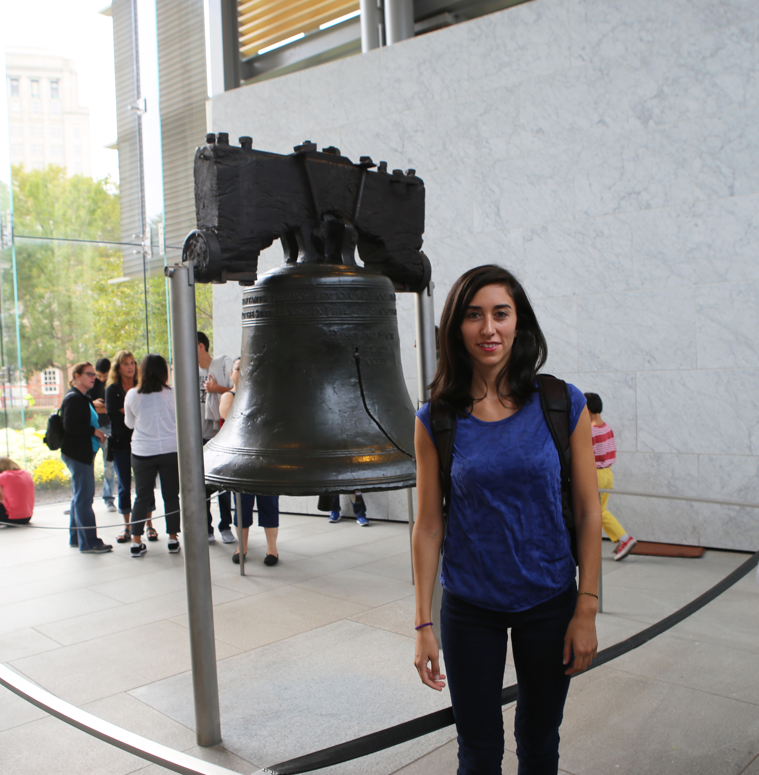 Visitando la Campana de la Libertad en Filadelfia.