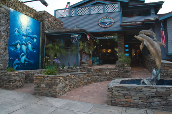 The front entrance of Wyland Gallery in Laguna Beach.