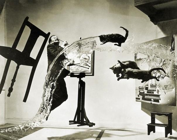 De foto Dali Anatomicus uit 1948 waarop Fabre zijn performance 'Ik wil vannacht Fred Astaire zijn' inspireerde.