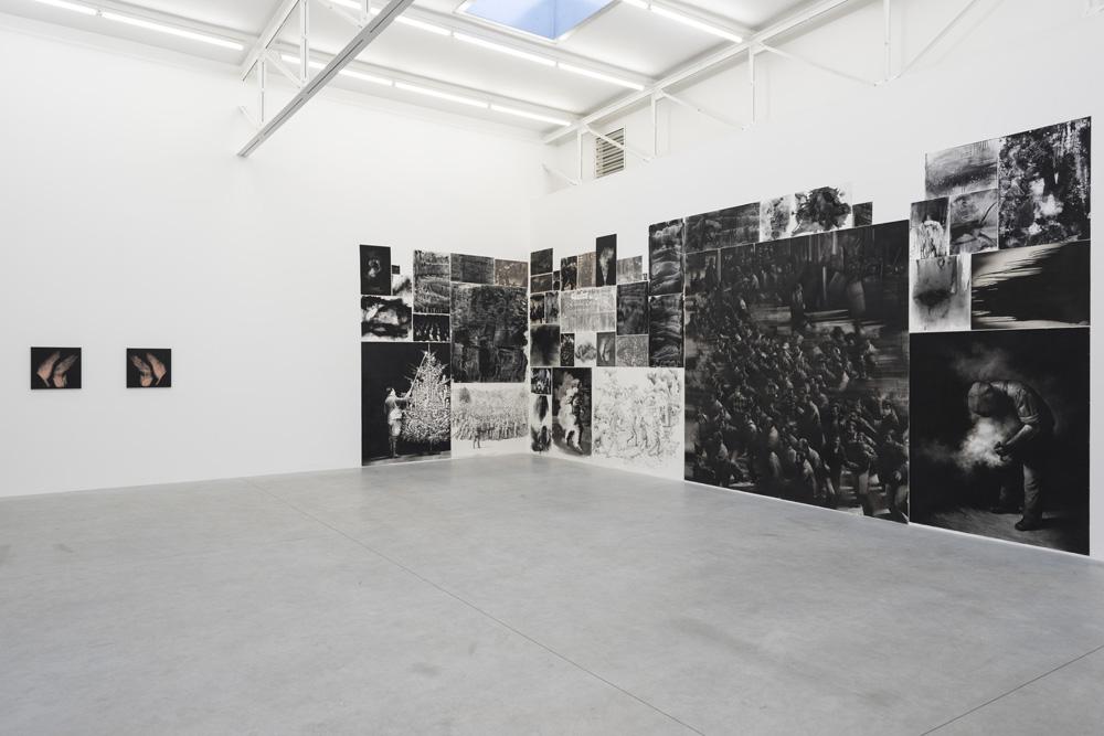 Dust to Dust, Mircea Suciu, 2014, houtskool en monoprint op papier