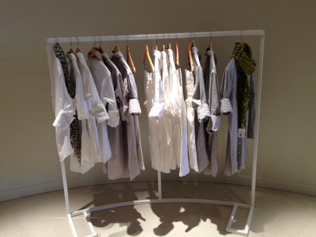 CLOTHES HANG RACK