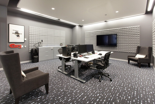 1355MarketYammer SoundRoom.jpg