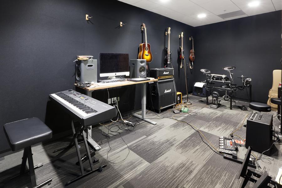 460Bryant_Weebly Studio.jpg