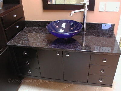 Modern bathroom design with a floating vanity cabinet.