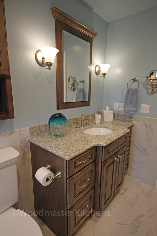Bathroom design with wall sconces