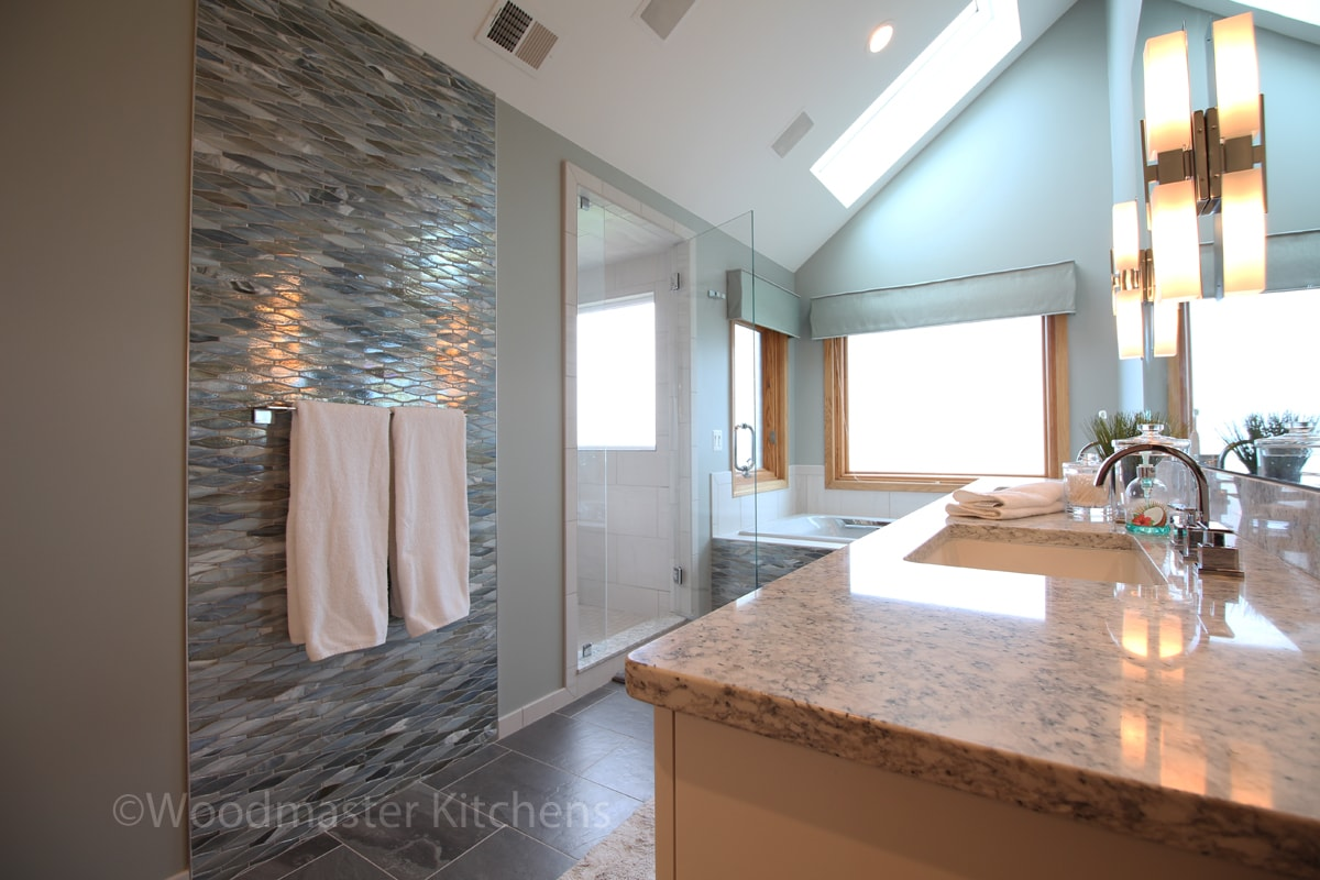 Bathroom design with blue tile feature