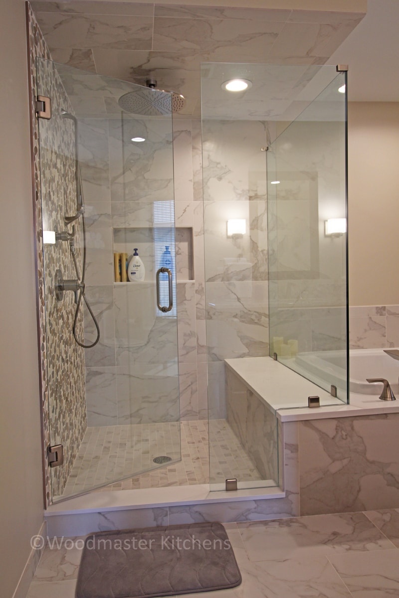 bath design with large glass shower