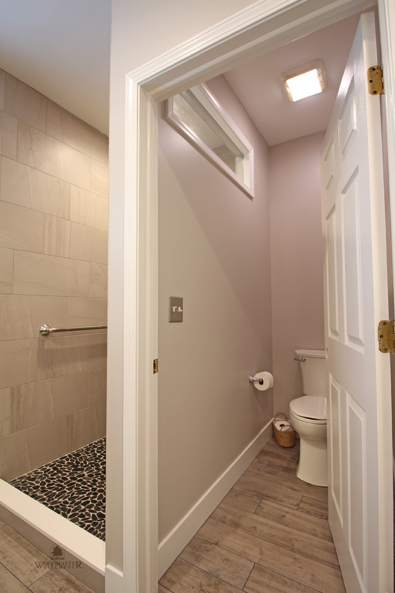 master bath design with separate toilet compartment
