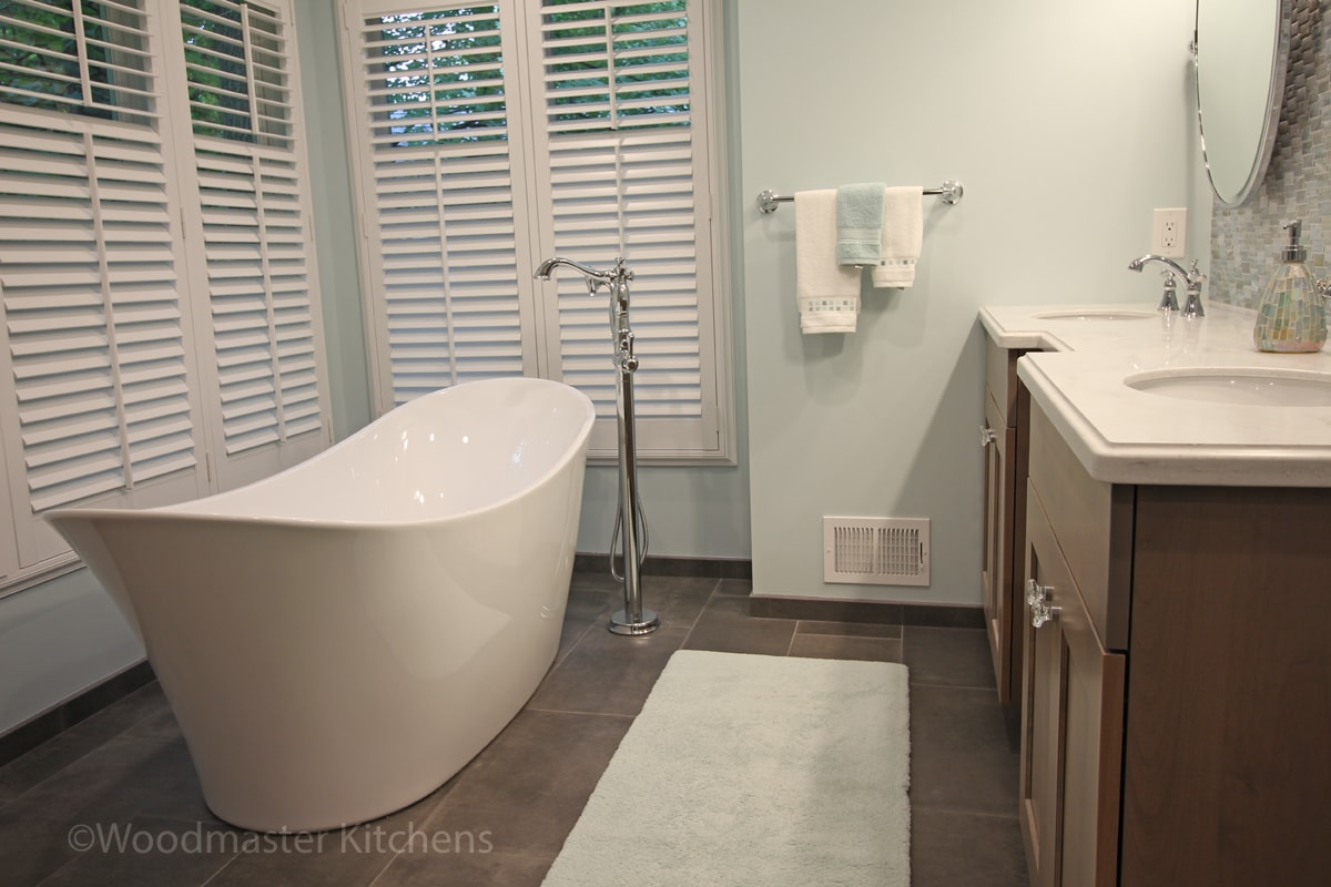 bathroom design with a large window