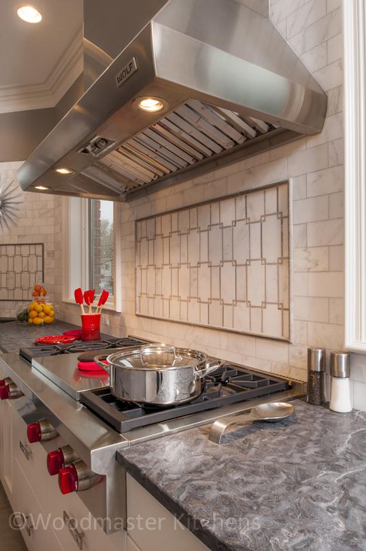 kitchen design with tiled backsplash
