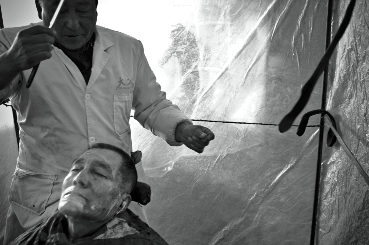 Street Barber Vanishing by Guo Quanxin 全忻 郭.jpg