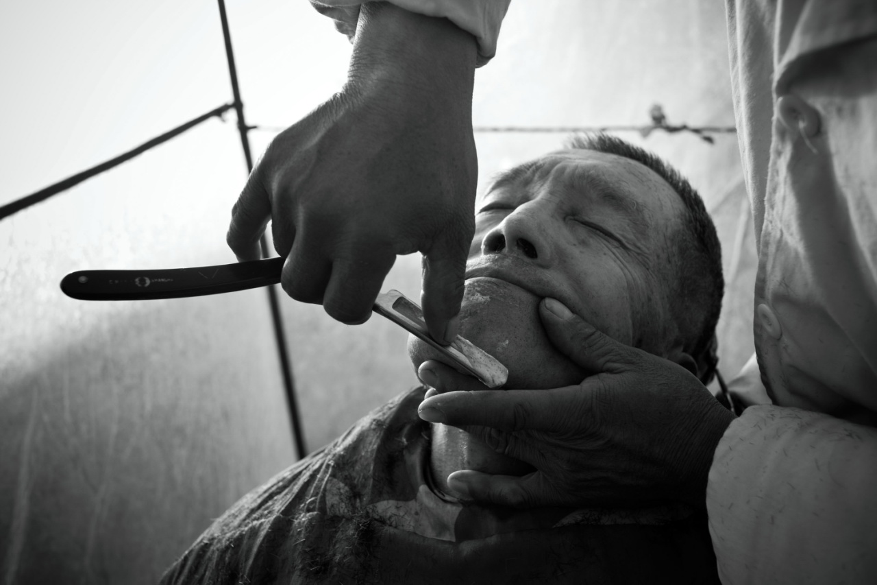Street Barber Vanishing by Guo Quanxin 全忻 郭 2.jpg