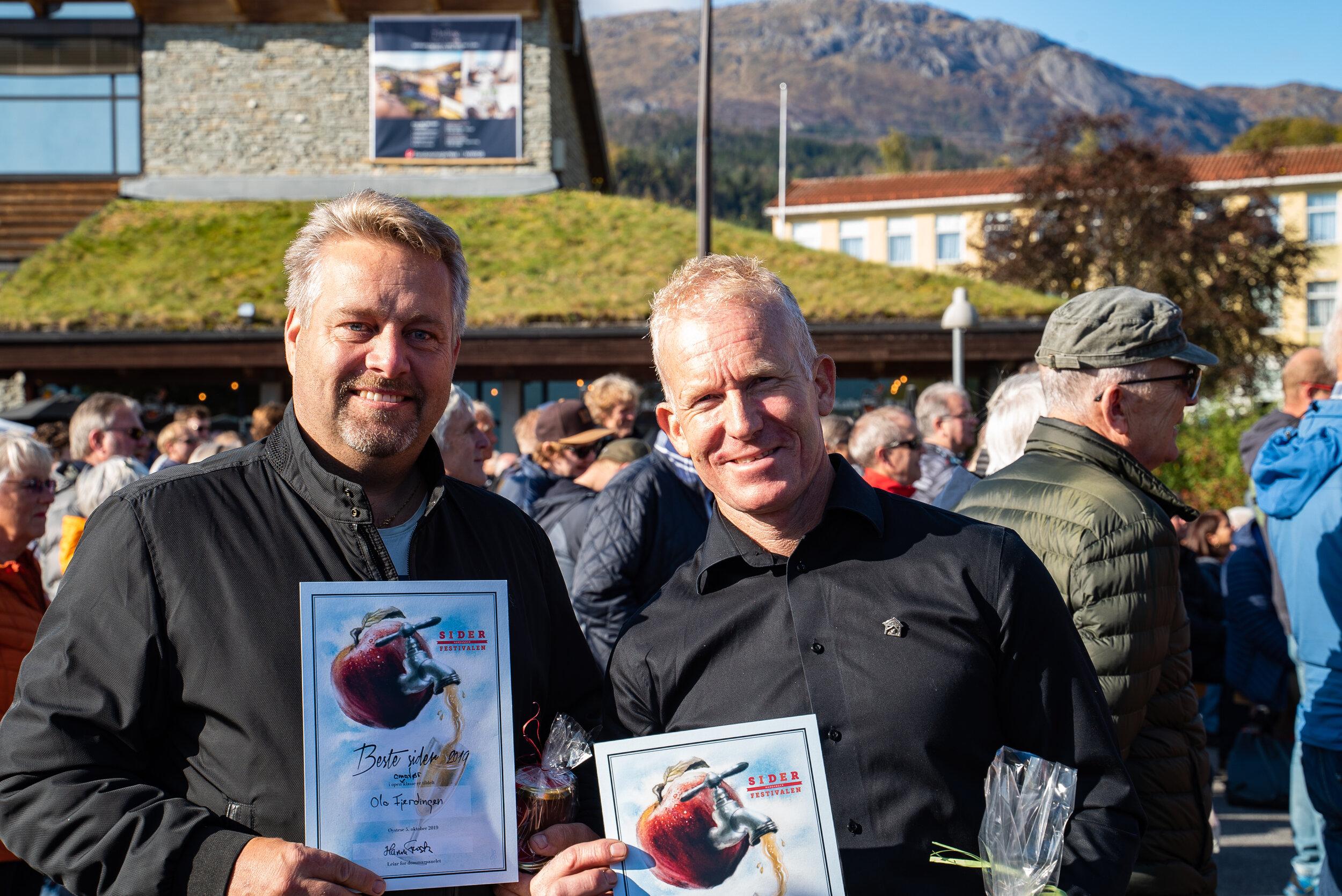 Ola Fjerdingen (amatørklassa) og Geir Henning Spilde (profesjonell klasse) vann begge Open klasse for sidrar tilsette bringebær.