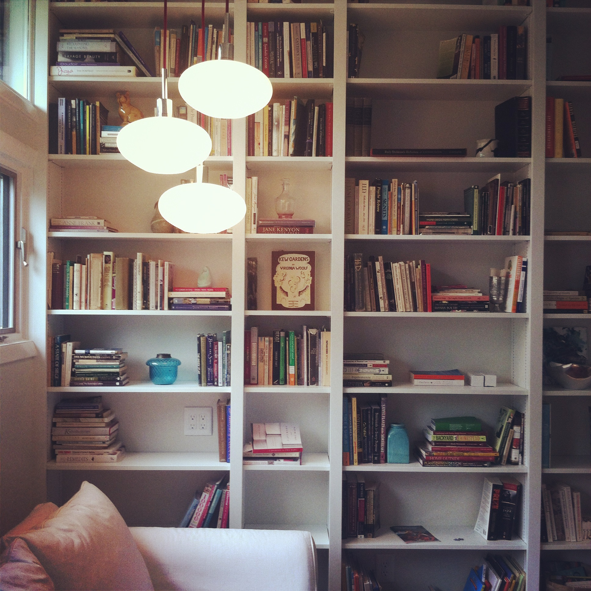 They even look good pre-staging. That's because this home owner loves her books. It's just clear.
