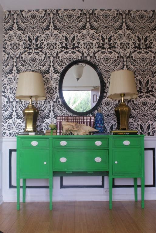 A bold entry piece. (Fig House Vintage)