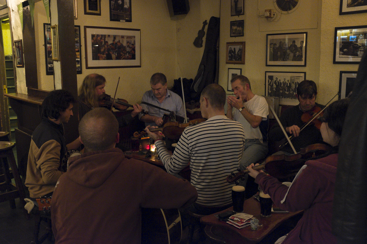 A local band playing some Irish tunes, really great experience. The guy with the harmonica was singing as well. It was really emotive, very pleasant.