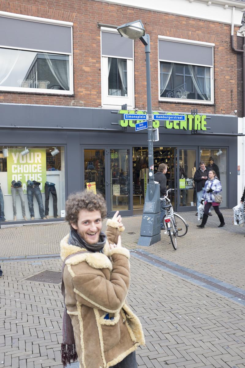 Asher on Hamburgerstraat.