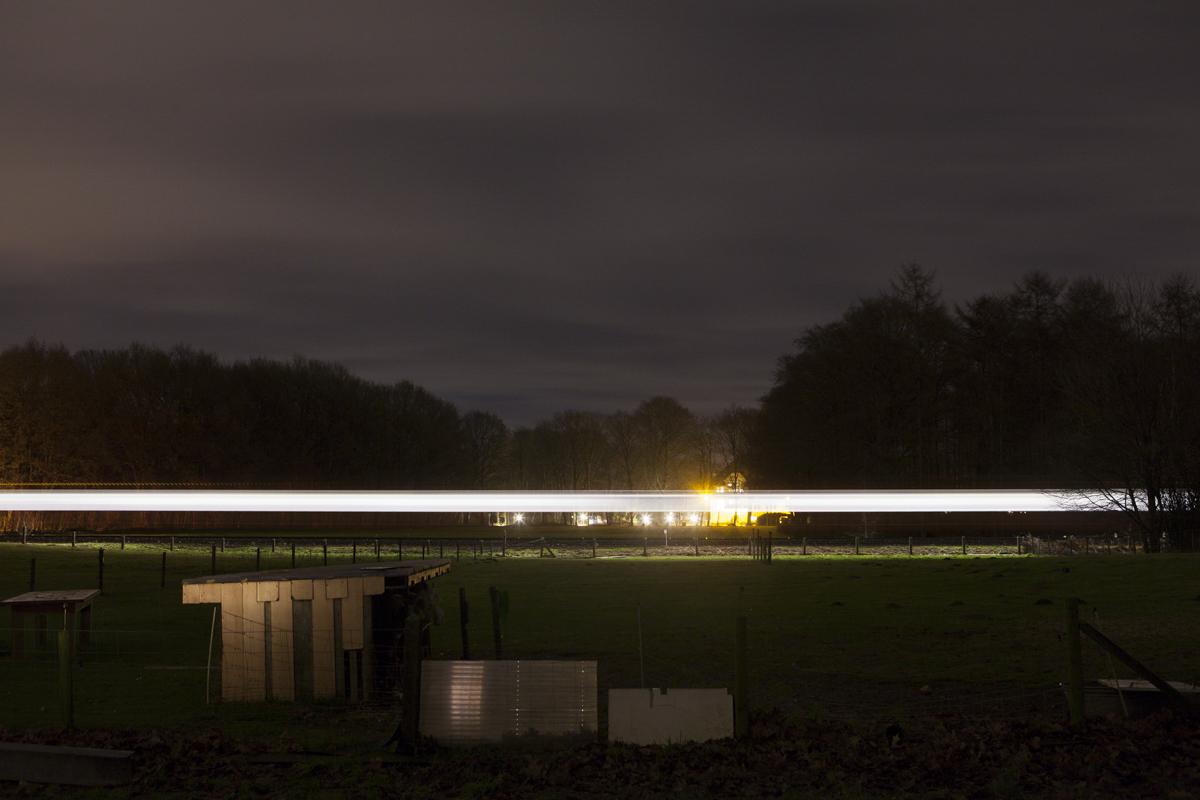 The train from Arnem runs behind their house.