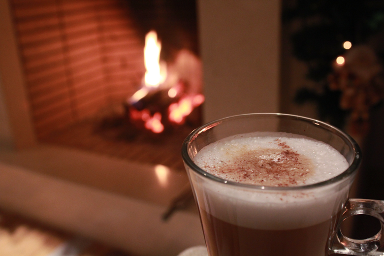 christmas+by+the+fireplace+%25282%2529.jpg