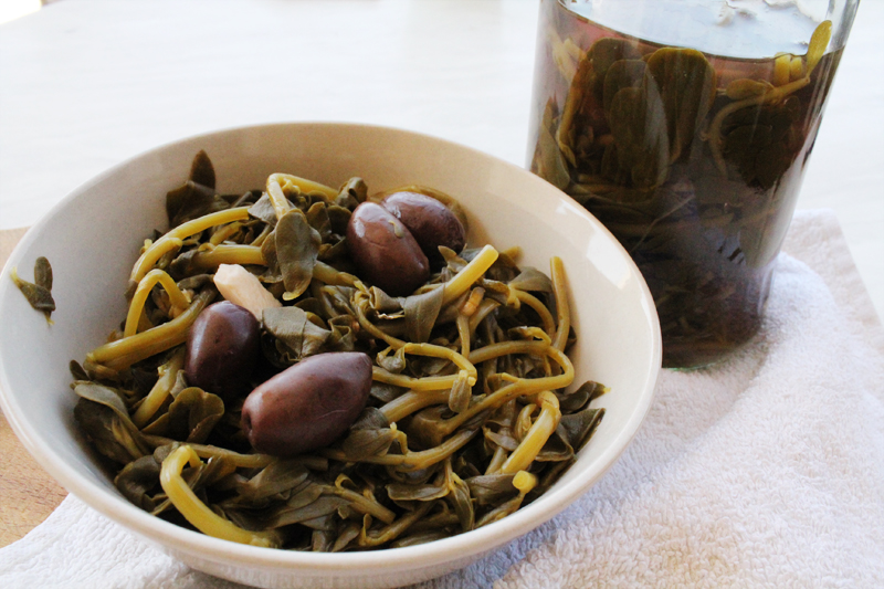 How to make pickled purslanes
