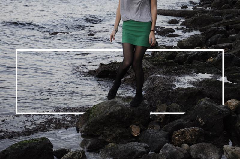 outfit green skirt - grey shirt casual.jpg