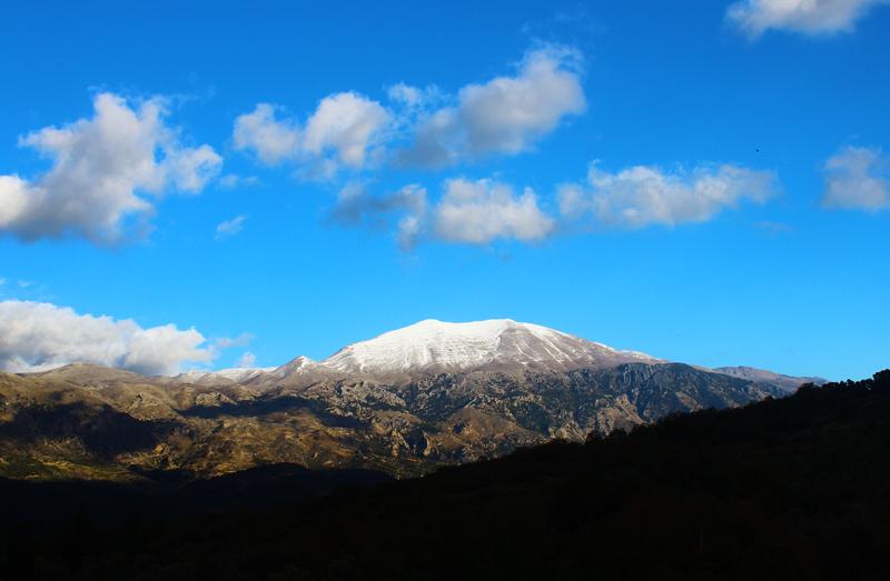 Χιονισμένος Ψηλορείτης - Snowy Psiloritis, Crete.jpg