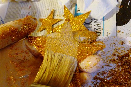 Κορδέλα για τα μαλλιά με χρυσά αστέρια διαδικασία