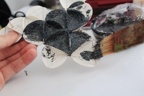 Ανακυκλωμένο Κολιέ από χαρτόνι και γκλίττερ
