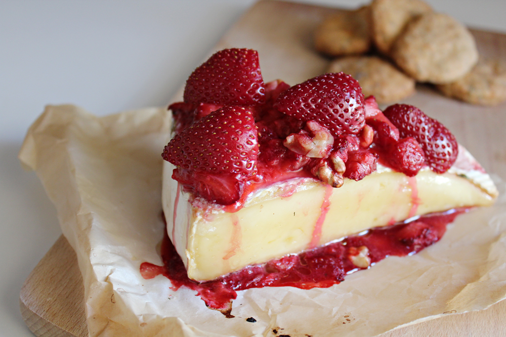 Strawberry & Walnuts Baked Brie Recipe