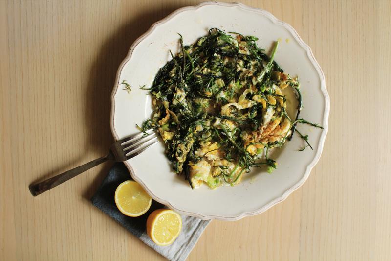 Συνταγή για ομέλετα με άγρια σπαράγγια