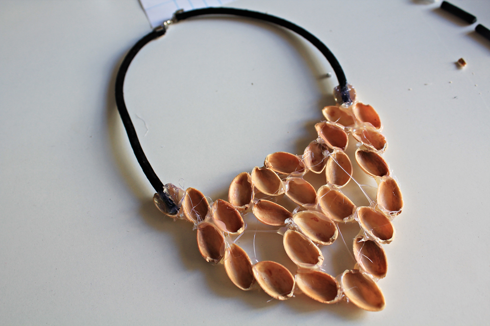 How to make a unique necklace by pistachio shells, the diy 7