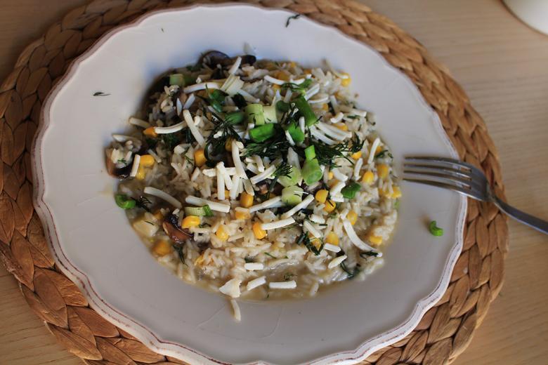 ανοιξιάτικο ριζότο με μανιτάρια, καλαμπόκι, κρεμμυδάκια και κατσικίσιο τυρί 2