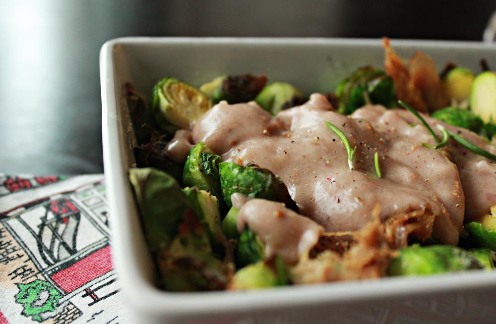 Στήθος κοτόπουλο και λαχανάκια βρυξελών στον φούρνο περιχυμένα με σως λιωμένου τυριού και κρασιού 3.jpg