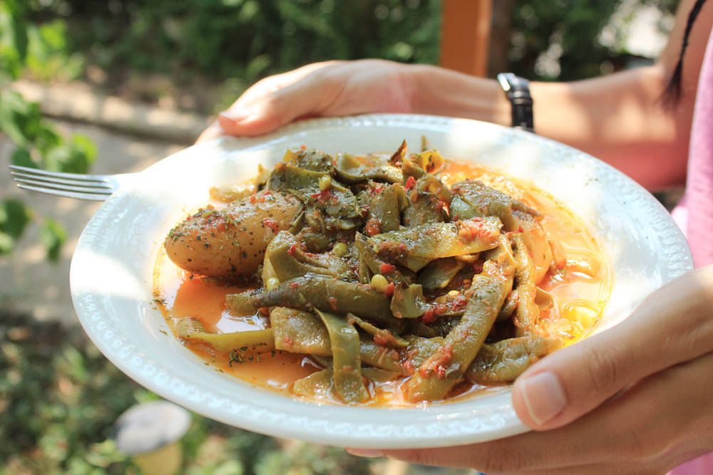 Fresh green beans with tomato sauce, potatoes and lots of oregano    by IN WHIRL OF INSPIRATION 