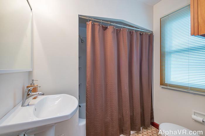 6020 bath.jpg