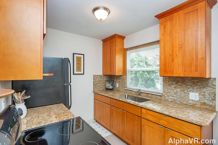 6010 Kitchen.jpg
