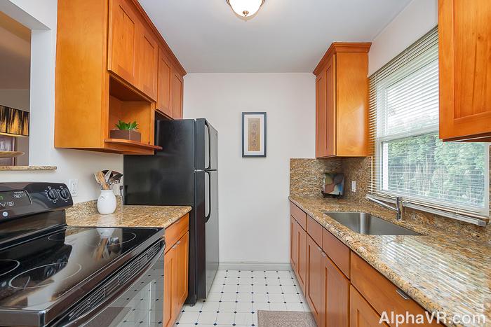 6020 Kitchen 2.jpg
