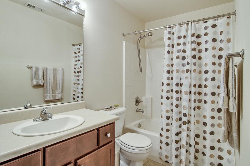 SB bathroom.JPG