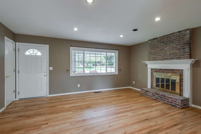 2240 SW Ecole Ave Beaverton OR-small-003-Living Room-666x445-72dpi.jpg
