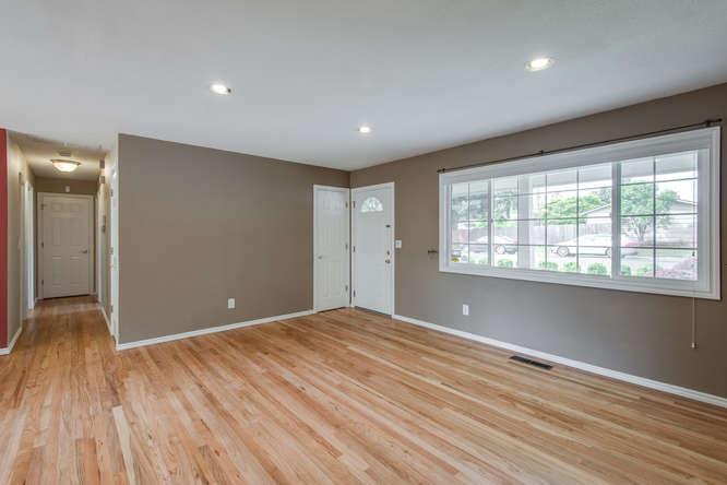 2240 SW Ecole Ave Beaverton OR-small-004-Living Room-666x445-72dpi.jpg