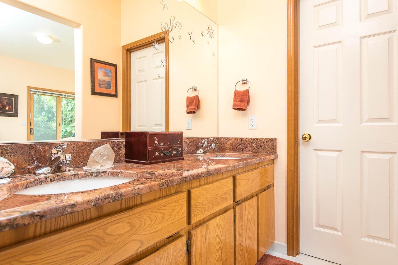 4634 SE Powell Butte Pkwy Portland, OR 97236 Web Ready-8817.JPG