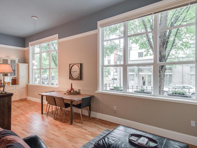 1009 NW Hoyt St Portland OR-MLS_Size-008-Living Room-640x480-72dpi.jpg