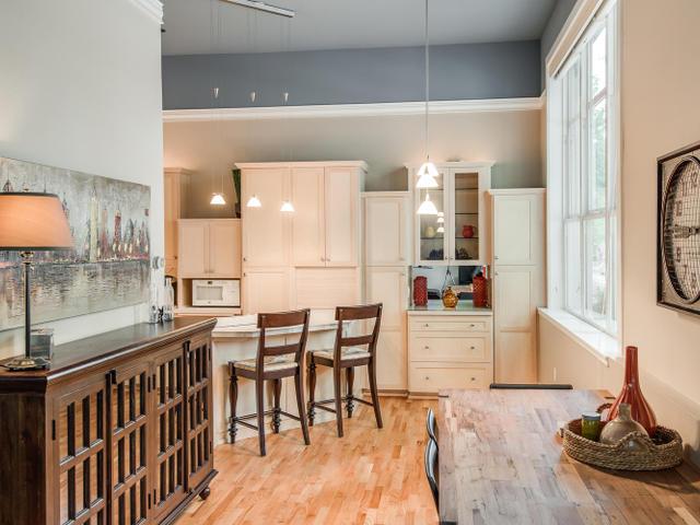 1009 NW Hoyt St Portland OR-MLS_Size-009-Dining Room-640x480-72dpi.jpg