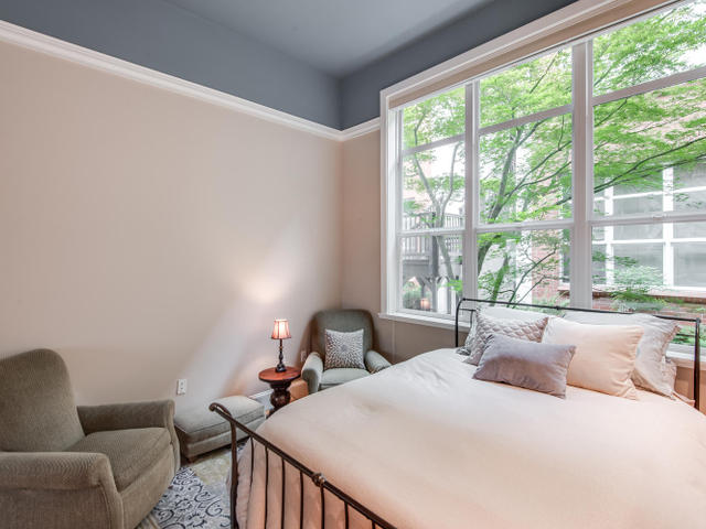 1009 NW Hoyt St Portland OR-MLS_Size-017-Bedroom-640x480-72dpi.jpg