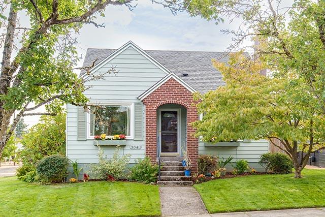 3840 NE 71st Ave Portland OR-print-001-8-Front of Home-4200x2804-300dpi.jpg