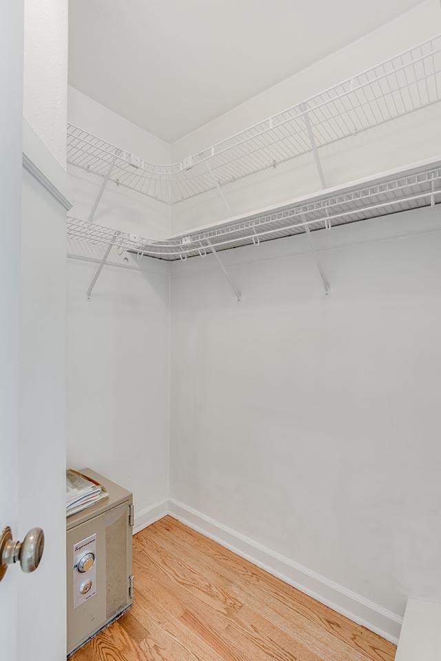 3840 NE 71st Ave Portland OR-print-016-5-Walkin Closet-2804x4200-300dpi.jpg
