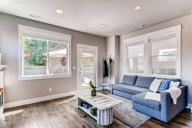 9578 N Burr Ave Portland OR-small-006-18-Living Room-666x445-72dpi.jpg