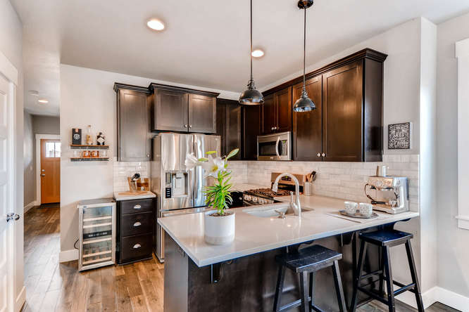 9578 N Burr Ave Portland OR-small-008-16-Kitchen-666x444-72dpi.jpg