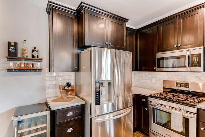 9578 N Burr Ave Portland OR-small-009-15-Kitchen-666x444-72dpi.jpg