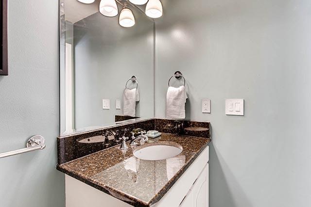 4234 SW Westdale Dr Portland-print-018-27-Bathroom-2700x1800-300dpi.jpg